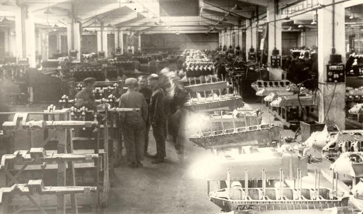 Сборочный конвейер рыбинского моторостроительного завода